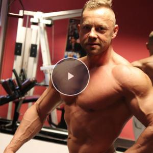 Zdeněk Vrána - trénink prsou a tricepsů před MS masters 2018